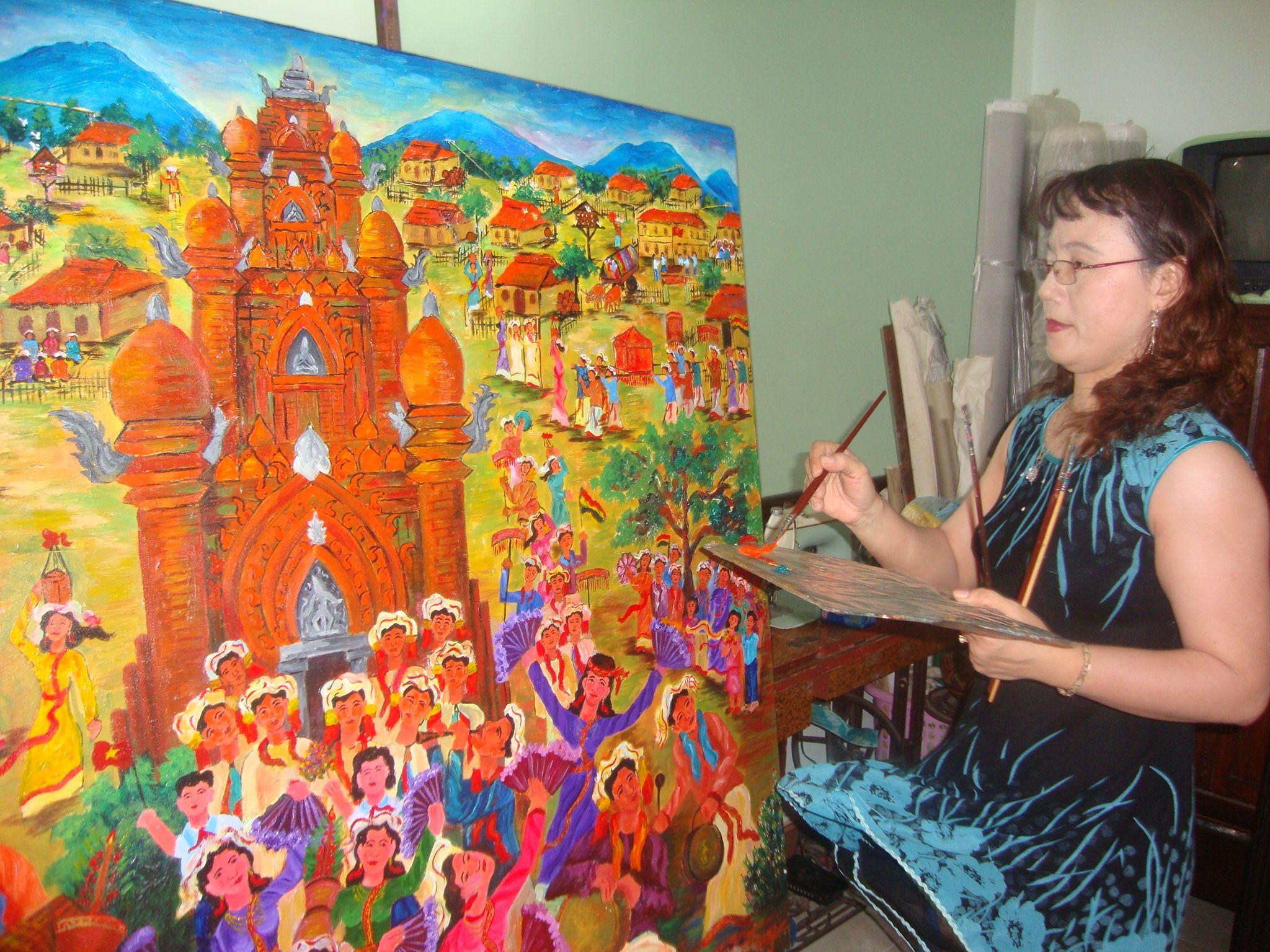 Chế Kim Trung: Nữ họa sĩ người Chăm đầu tiên